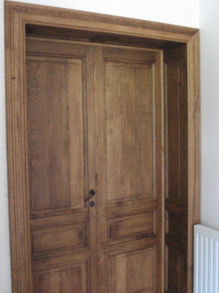 vieilles portes en bois d occasion. Black Bedroom Furniture Sets. Home Design Ideas